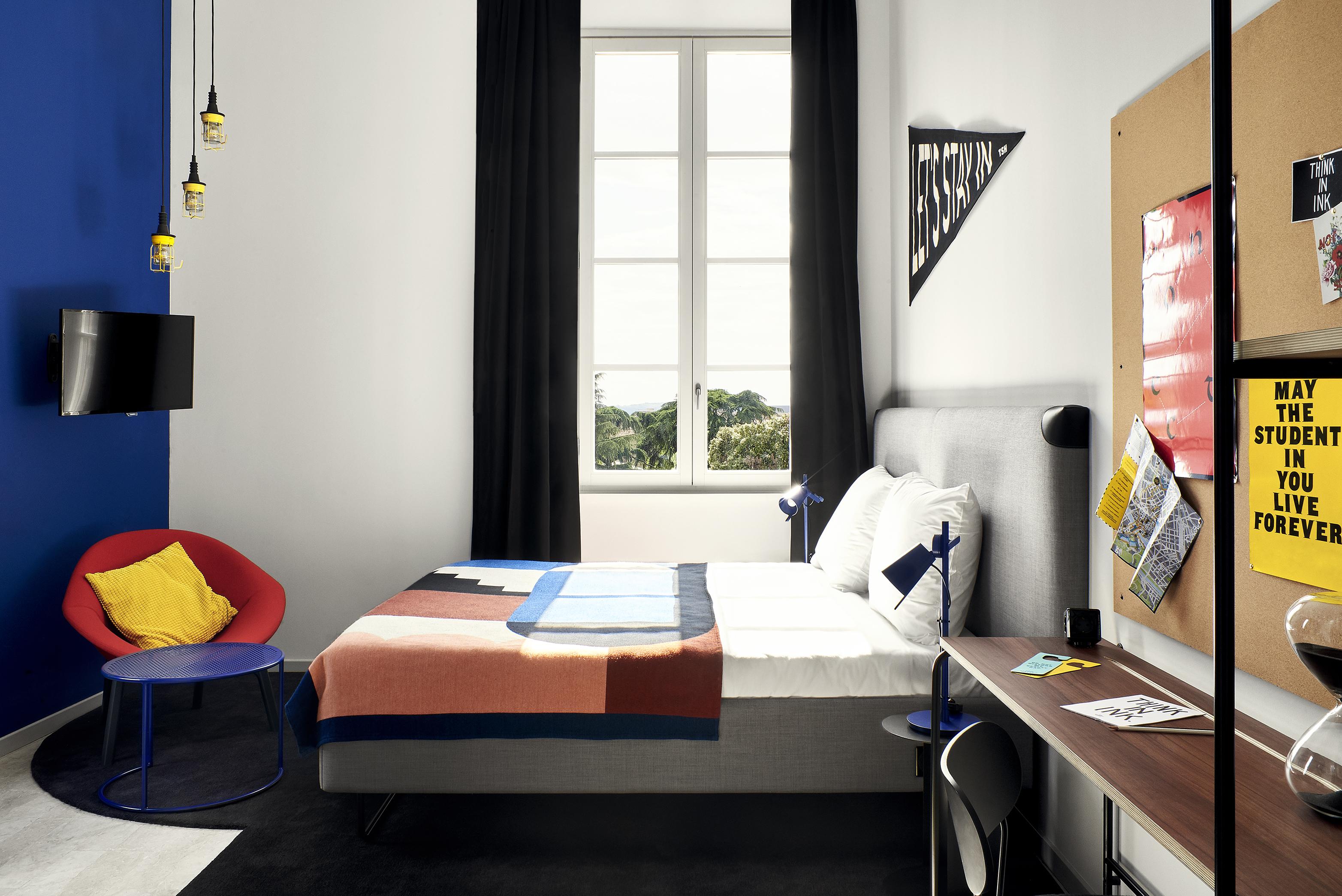 5-Executive-corner-Hotel-Full-v1-051175-def